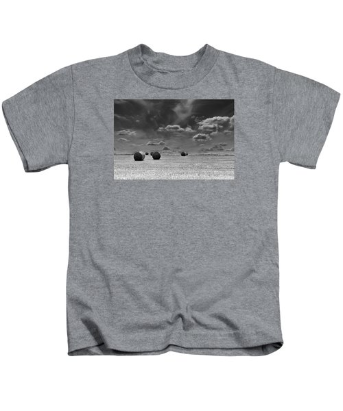 Round Straw Bales Landscape Kids T-Shirt