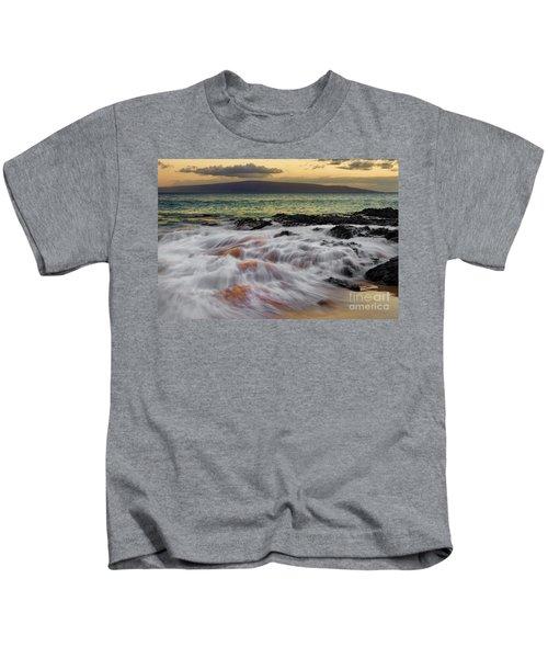 Running Wave At Keawakapu Beach Kids T-Shirt