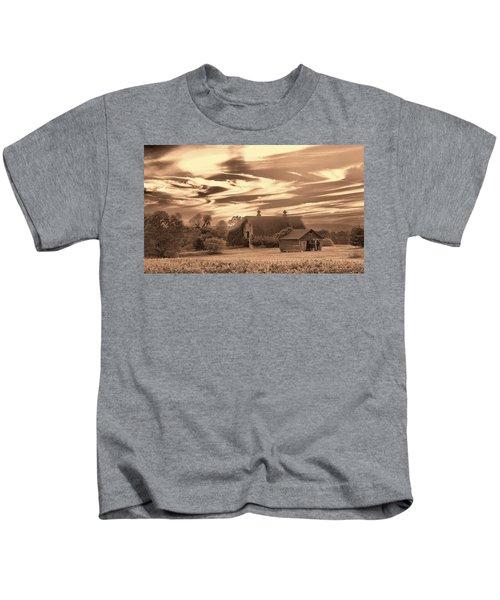 Rustic Barn 2 Kids T-Shirt