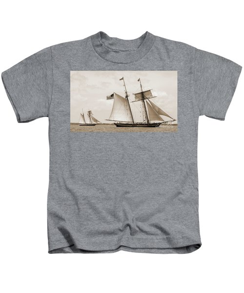 Schooners Pride Of Baltimore And Lynx Kids T-Shirt