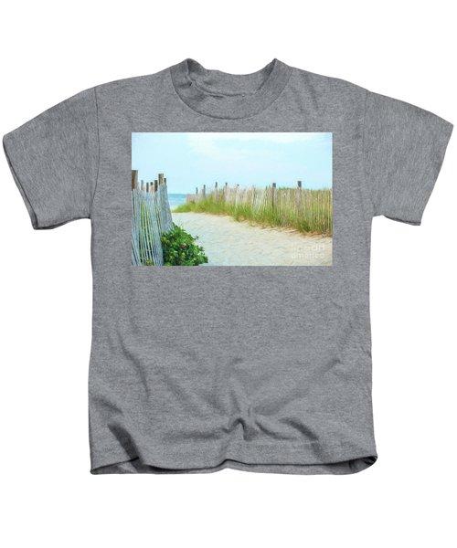 Sea Gull Beach #1 Kids T-Shirt