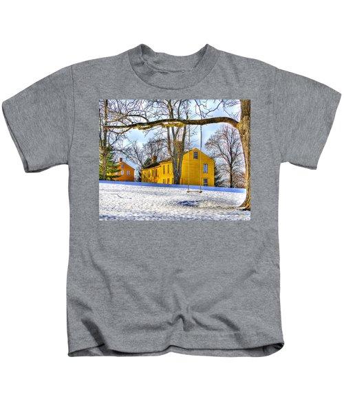 Shaker Swing In Winter 2 Kids T-Shirt
