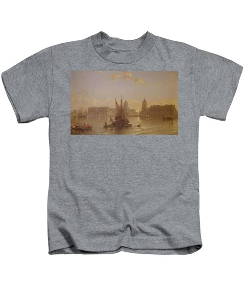 Shipping On The Thames At Greenwich Kids T-Shirt