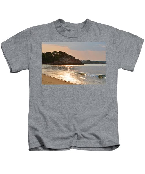 Singing Beach Silver Waves Manchester By The Sea Ma Kids T-Shirt