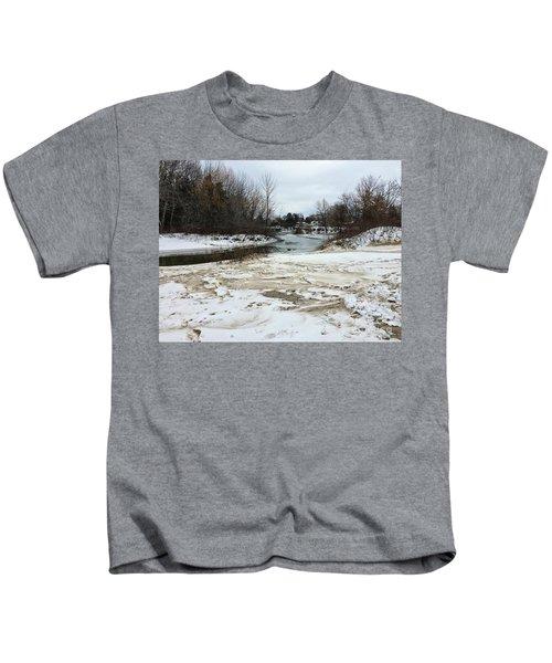 Snowy Elk Rapids River Kids T-Shirt