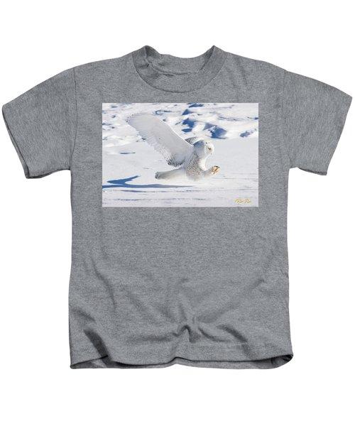 Snowy Owl Pouncing Kids T-Shirt