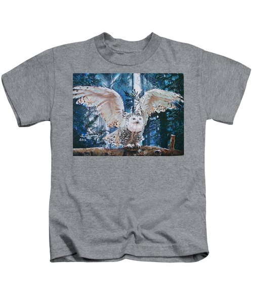 Snowy Owl On Takeoff  Kids T-Shirt