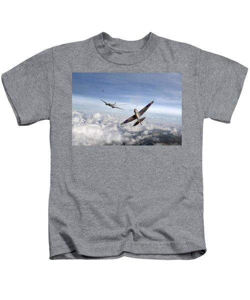 Spitfire Attacking Heinkel Bomber Kids T-Shirt