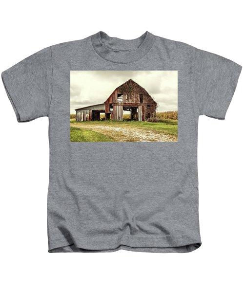 Still Standing Ohio Barn  Kids T-Shirt