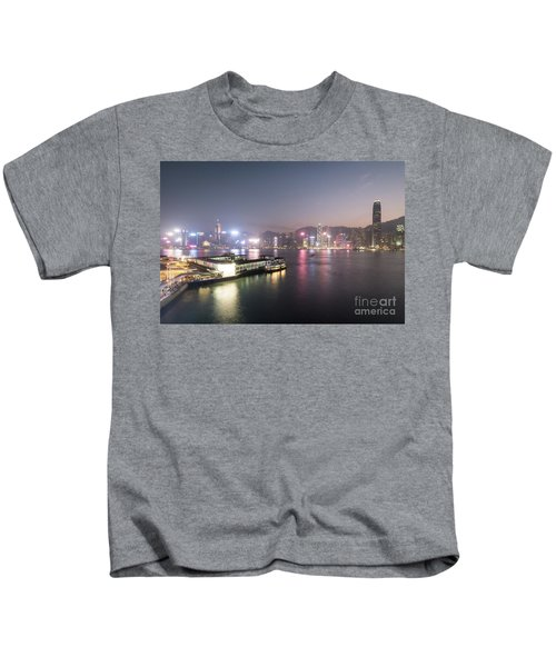 Stunning View Of The Twilight Over The Victoria Harbor And Star  Kids T-Shirt