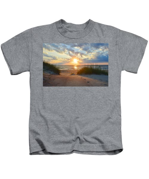Sunrise In South Nags Head Kids T-Shirt