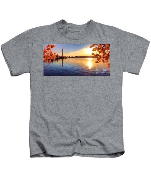 Sunrise On The Tidal Basin Kids T-Shirt