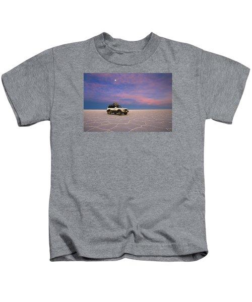 Lake Uyuni Sunset With Car Kids T-Shirt