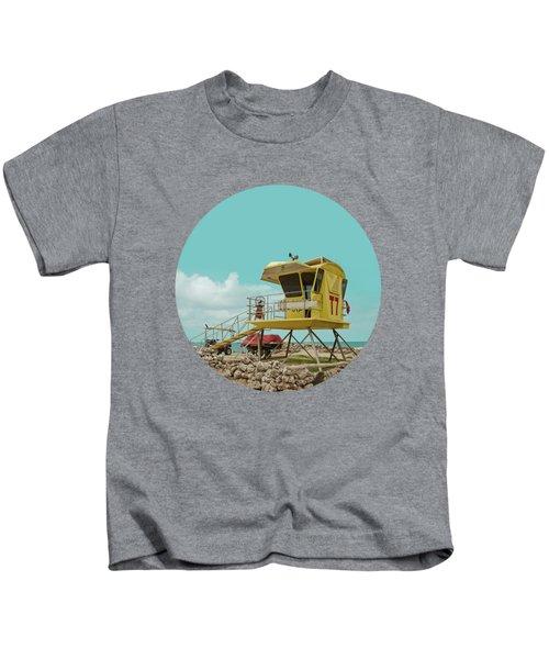 T7 Lifeguard Station Kapukaulua Beach Paia Maui Hawaii Kids T-Shirt