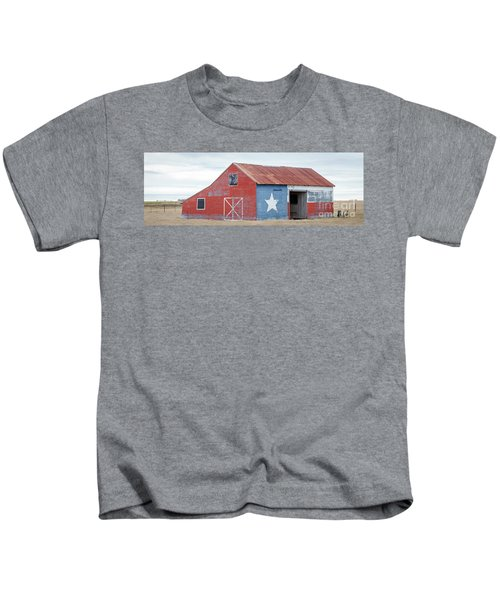 Texas Barn With Goats And Ram On The Side Kids T-Shirt