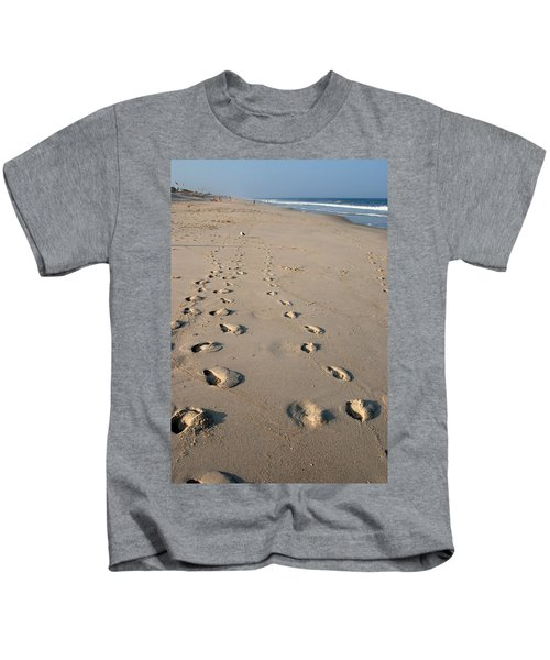The Trails Of Footprints - Jersey Shore Kids T-Shirt