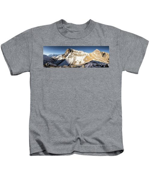 Thorung La Pass In The Annapurna Range In The Himalayas In Nepal Kids T-Shirt