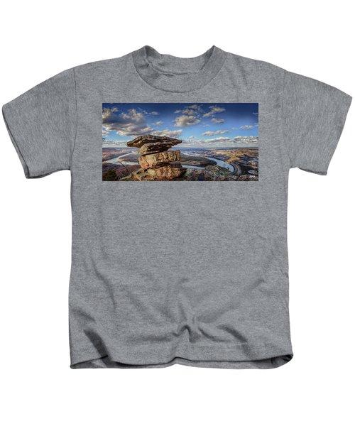 Umbrella Rock Overlooking Moccasin Bend Kids T-Shirt