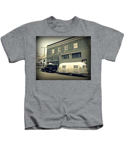 Vintage Trailer In Crockett Kids T-Shirt