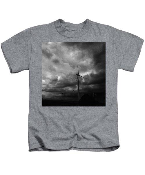 Windradwindig.  #windrad #monochrome Kids T-Shirt