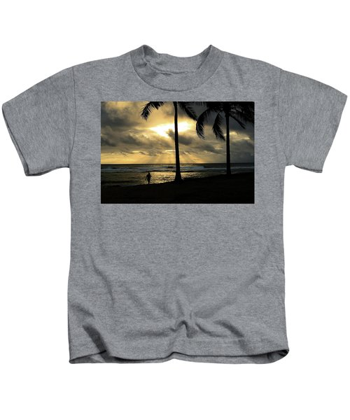 Woman In The Sunset  Kids T-Shirt