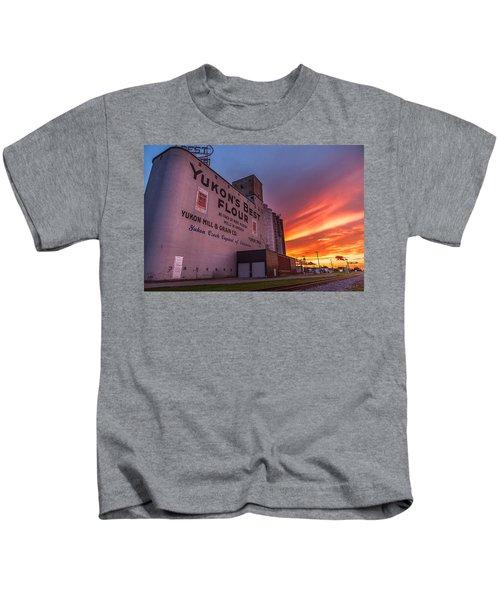Yukon's Best - Flour Mill At Sunset In Yukon Oklahoma Kids T-Shirt