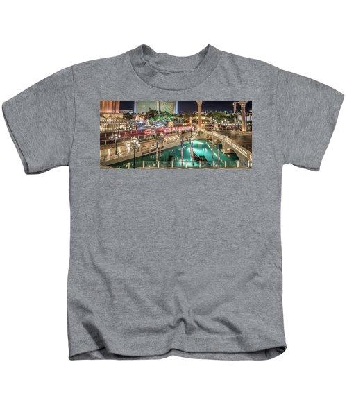 View Of The Venetian Hotel Resort And Casino Kids T-Shirt