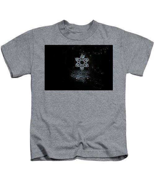 A Ripple Of Christmas Cheer Kids T-Shirt