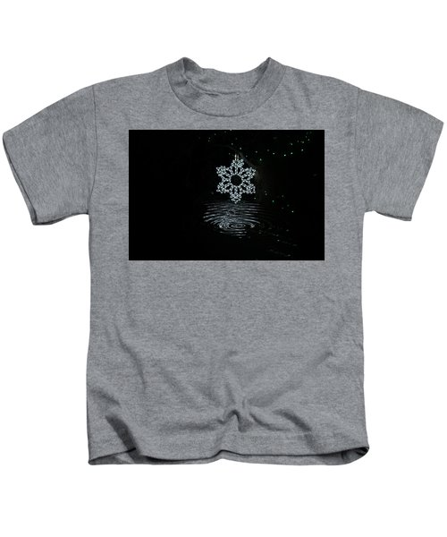 A Ripple Of Christmas Cheer Kids T-Shirt