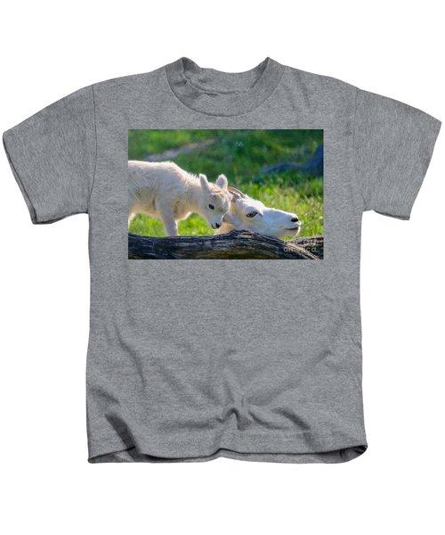 Baby Loves Mama Kids T-Shirt