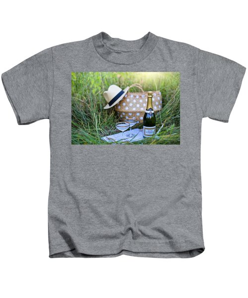 Chic Picnic Kids T-Shirt