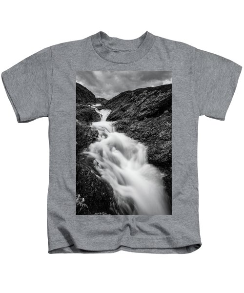 close to Ygnisdalselvi, Norway Kids T-Shirt