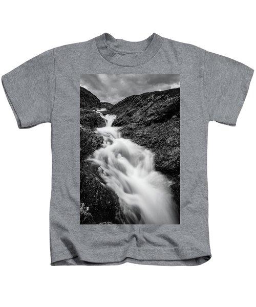 close to Ygnisdalselvi, Norway Kids T-Shirt