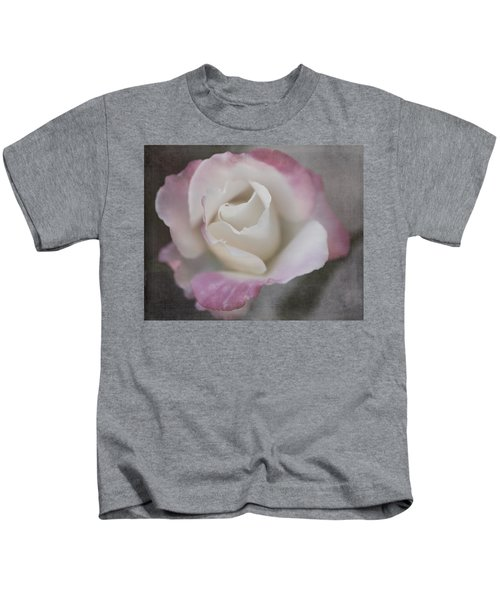 Creamy White Center By Tl Wilson Photography Kids T-Shirt
