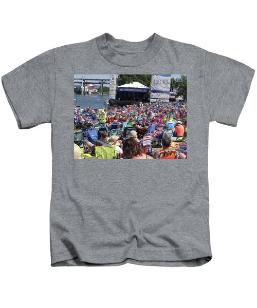 Crowd Enjoys Listening On A Sunny Day  Kids T-Shirt