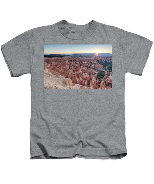 Inspiration Point Sunrise Bryce Canyon National Park Summer Solstice Kids T-Shirt