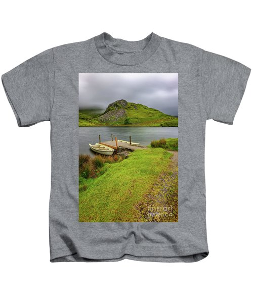 Llyn Y Dywarchen Boats Snowdonia Kids T-Shirt