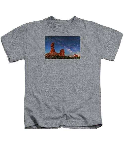 Milky Way Over Balanced Rock At Twilight Kids T-Shirt