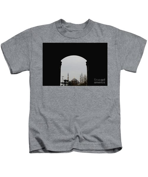 minarets in the city for the prayer of the Muslim religion Kids T-Shirt
