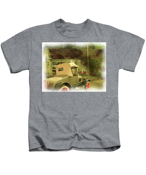 Model T In Barbados Kids T-Shirt