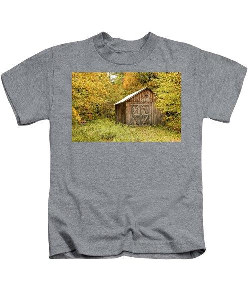 Old Barn New England Kids T-Shirt
