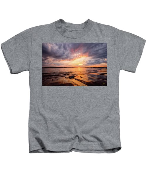 Reflect The Drama, Sunset At Fort Foster Park Kids T-Shirt