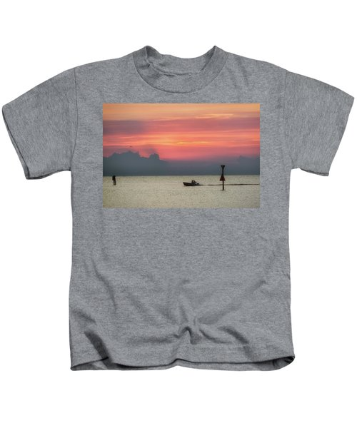 Silhouette's Sailing Into Sunset Kids T-Shirt