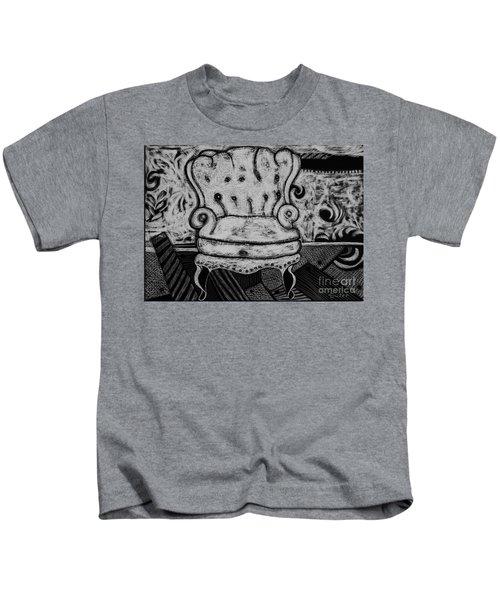 The Chair. Kids T-Shirt