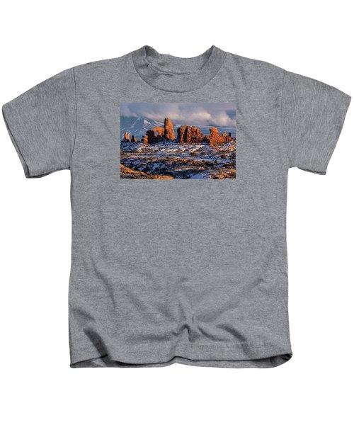Turret Arch Winter Sunset Kids T-Shirt