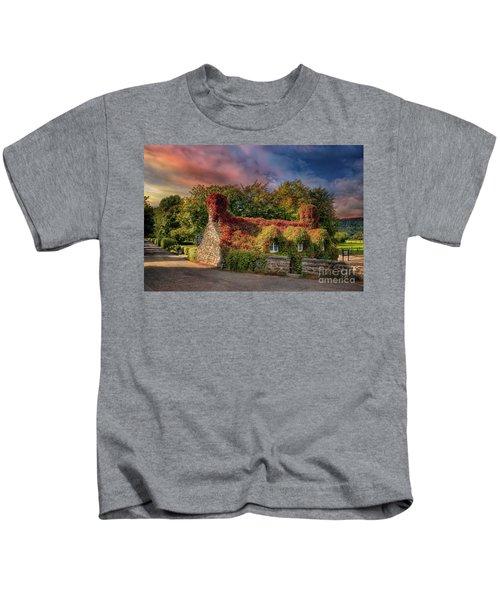 Welsh Tea Room Llanrwst Kids T-Shirt