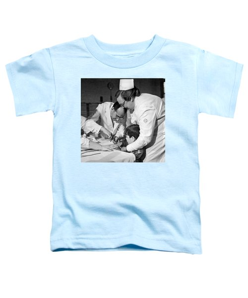 Dr.jonas Salk Giving Vaccine Toddler T-Shirt