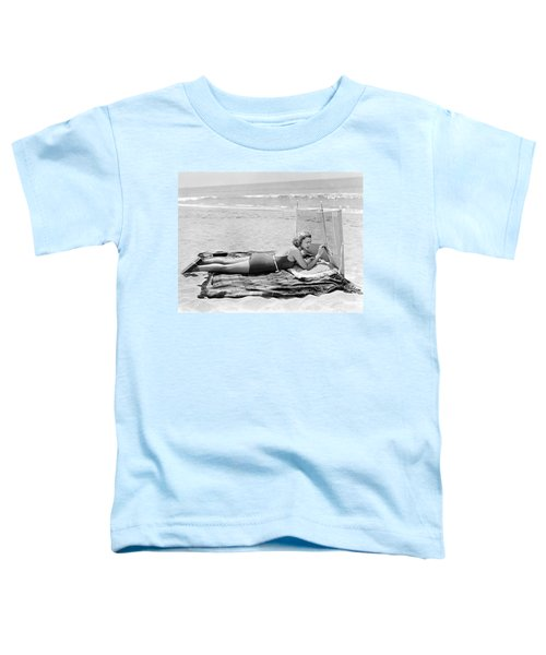 Woman With A Beach Screen Toddler T-Shirt