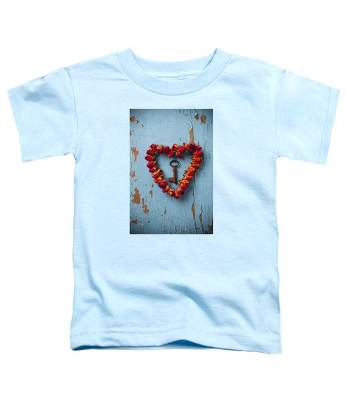 Small Rose Heart Wreath With Key Toddler T-Shirt