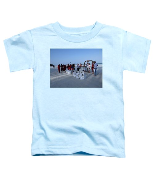 The Happy Couple - Married On The Beach Toddler T-Shirt